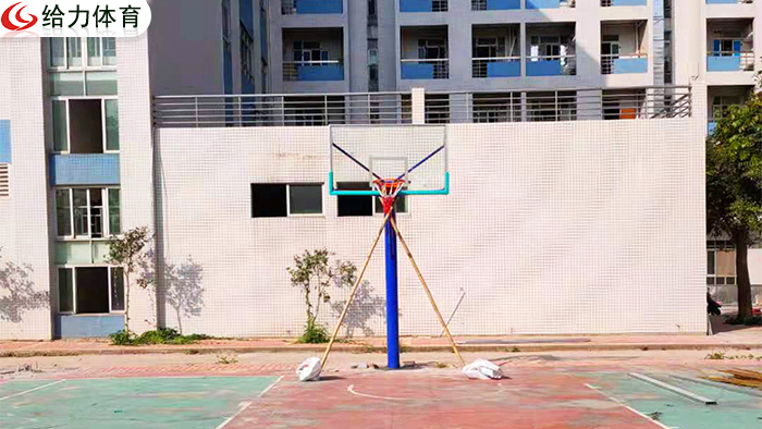 篮球架多少钱一个
