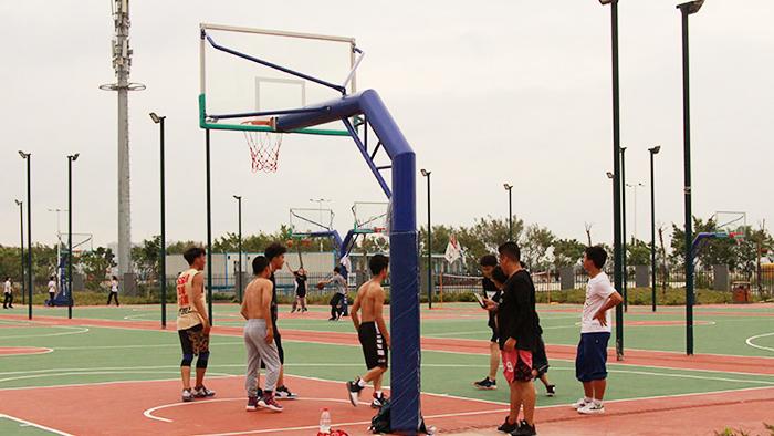 台山市大江镇人民政府安装固定篮球架 酣畅淋漓释放运动活力