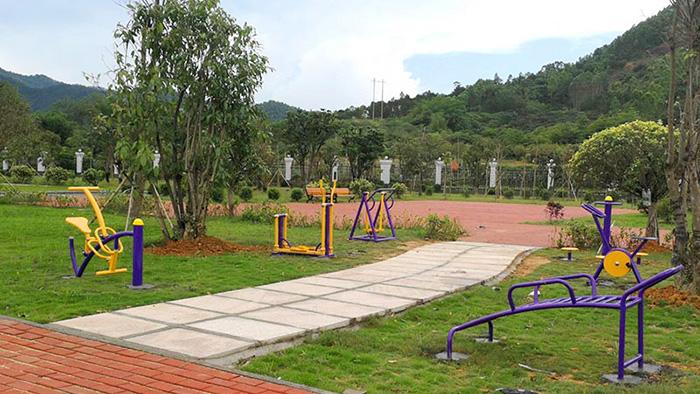 南宁好和家园小区健身器材安装故事