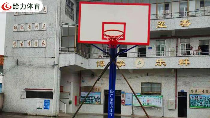 广东哪里篮球架便宜  广东篮球架厂家给力春季大放送价格够便宜