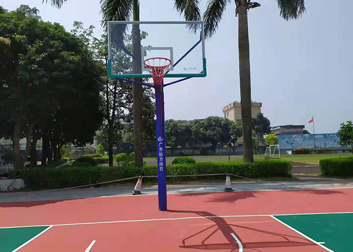 埋地篮球架的安装