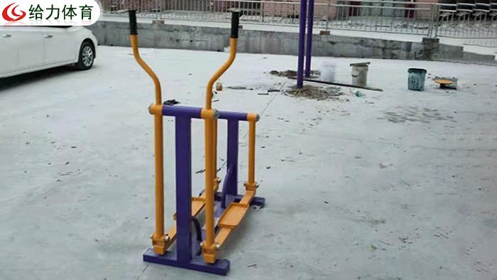 南宁小区健身器材