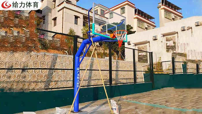 广州哪里篮球架便宜 广州给力体育以质服人开启篮球架省钱之路