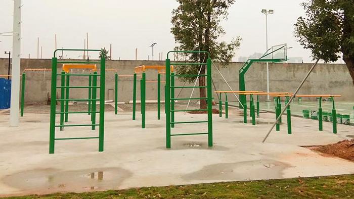 中山浪网小学户外健身器材套系增添完成