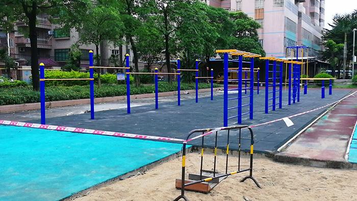 惠州惠阳区广宝会所室外健身器材,儿童攀爬活动中心赶在暑期前完工了