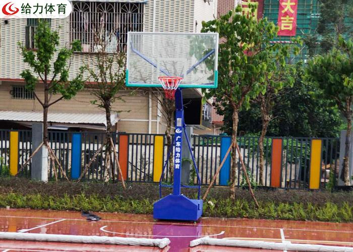 东莞篮球架价钱