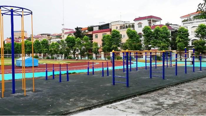 佛山市碧桂花城小区增设给力体育室外健身器材