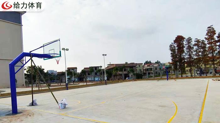 长沙篮球架多少钱一个