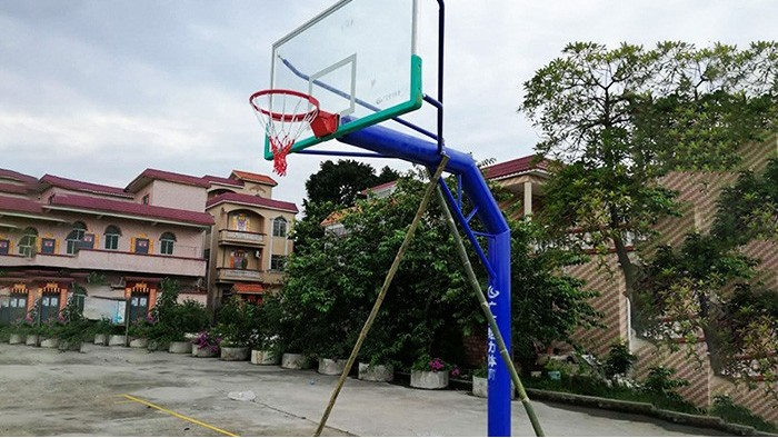 佛山篮球架厂家哪家好 佛山给力篮球架厂家放价庆双节