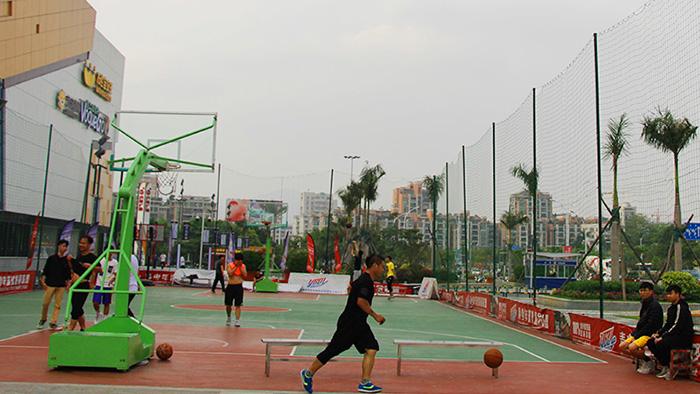 广东省人民武装学校军用攀爬器材篮球架厂家给力体育化腐朽为神奇
