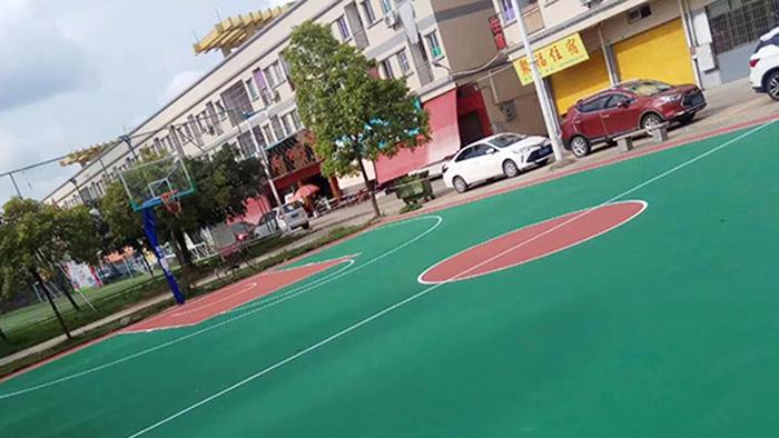 柳州大龙谭社区安装小区篮球架 居民共享健身生活