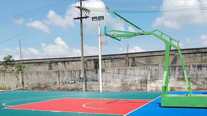 带您走进篮球场了解篮球架
