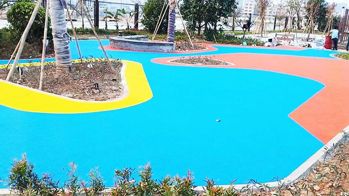 天津兴台建筑公司二次采购公园健身器材及橡胶地面工程案例