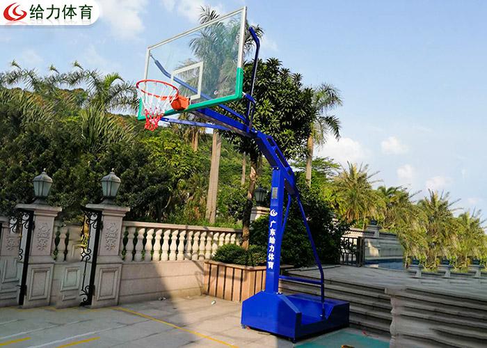 篮球架一个要多少钱