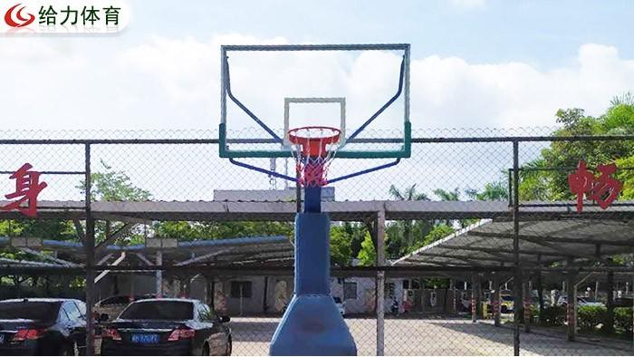 佛山可移动篮球架价钱  给力篮球架厂家十年口碑品质优争先恐后来选购