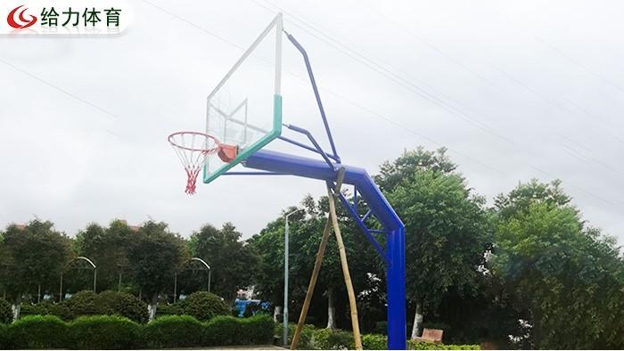 篮球架要多少钱