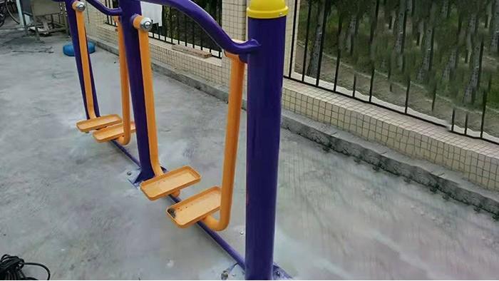 金秋肇庆蓝塘村户外健身器材高低转轮正式拉开序幕