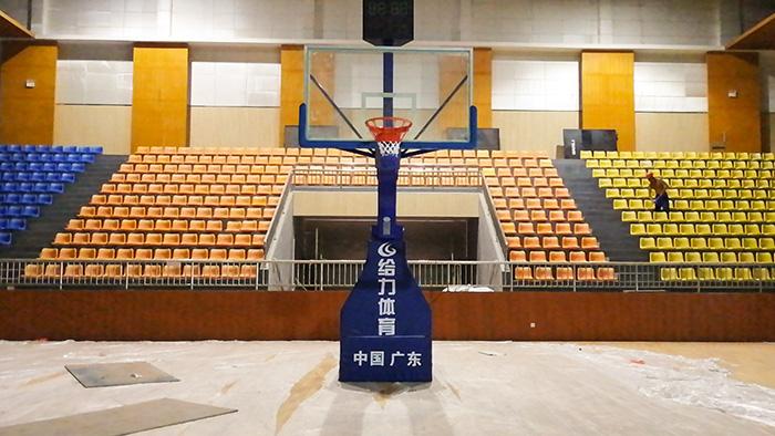 透明活动篮球架