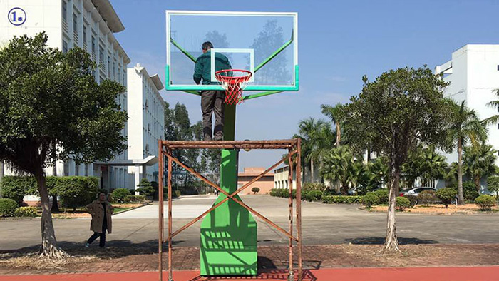 广东篮球架厂家